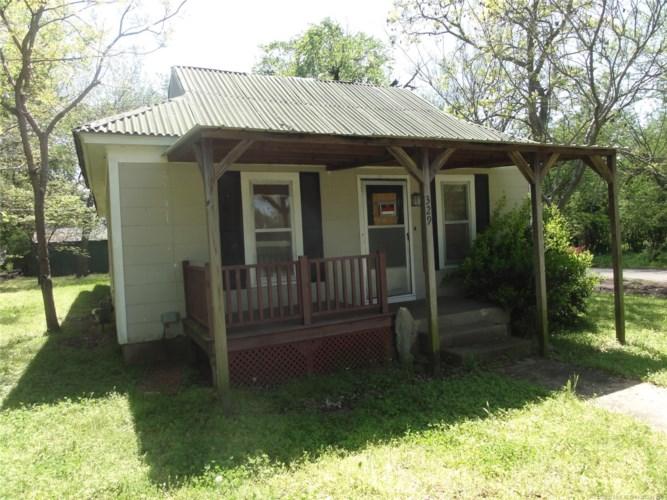 329 W Choctaw Street, Nowata, OK 74048