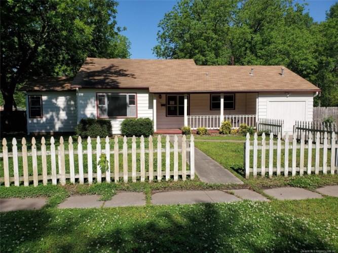 204 N Rowe Street, Pryor, OK 74361