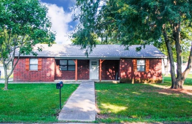 415 S 1st Street, Morris, OK 74445