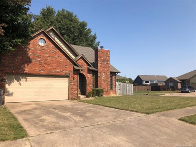 1195 E 137th Place S, Glenpool, OK 74033
