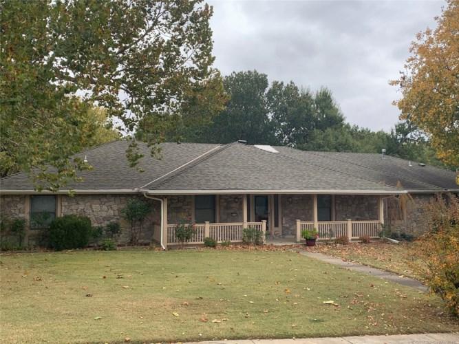 2208 Heidi Court, Bartlesville, OK 74006