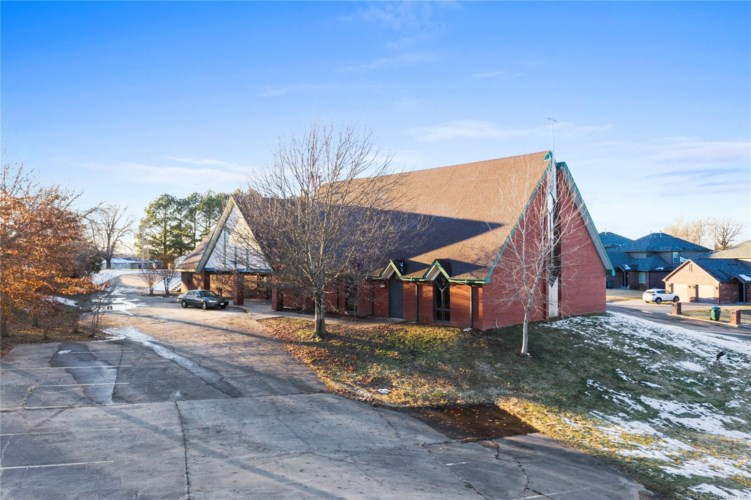 3210 S 113th West Avenue, Sand Springs, OK 74063