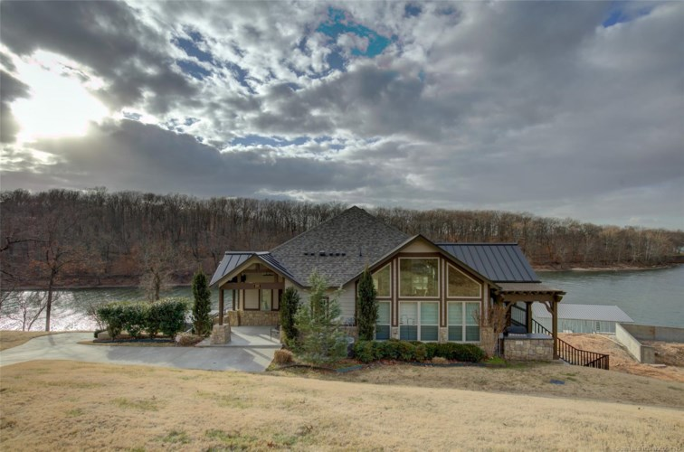 203 Private Road 045, Eucha, OK 74342