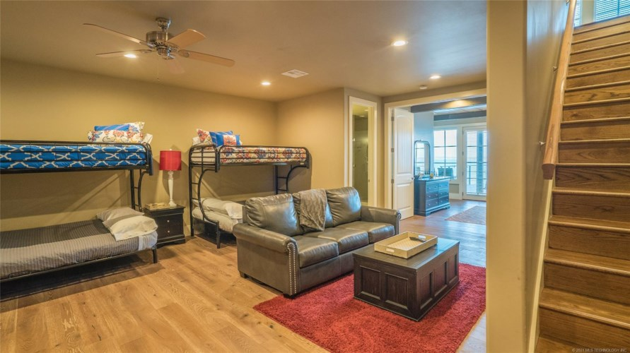 37264 S Cliff Crest Drive, Langley, OK 74350