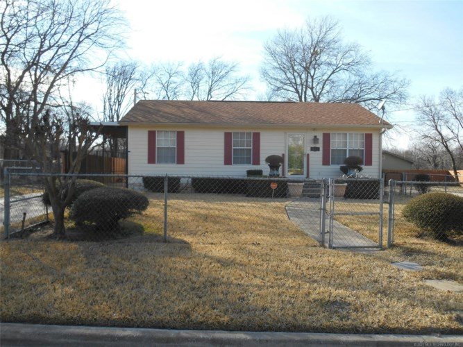 915 L Street NE, Ardmore, OK 73401