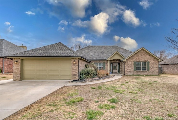 4219 Fairview Road, Bartlesville, OK 74006
