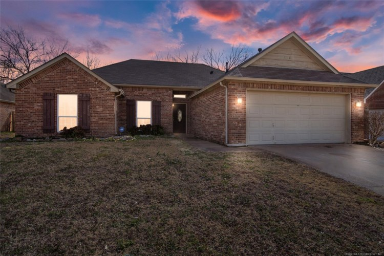 1118 E 146th Place S, Glenpool, OK 74033