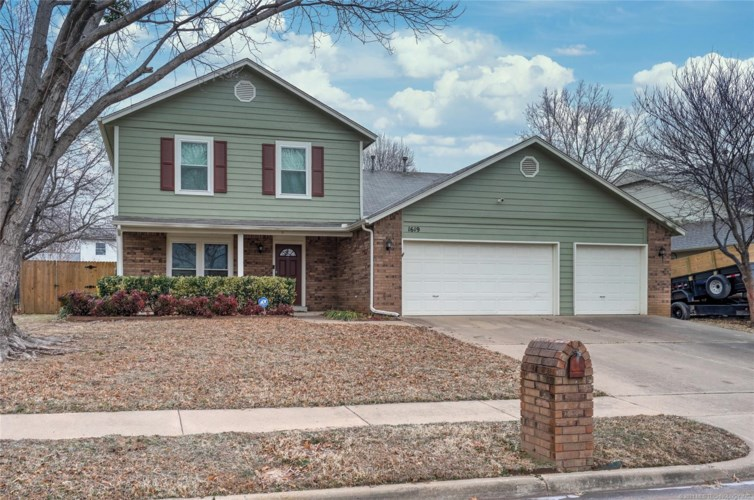 1619 S Fir Place, Broken Arrow, OK 74012