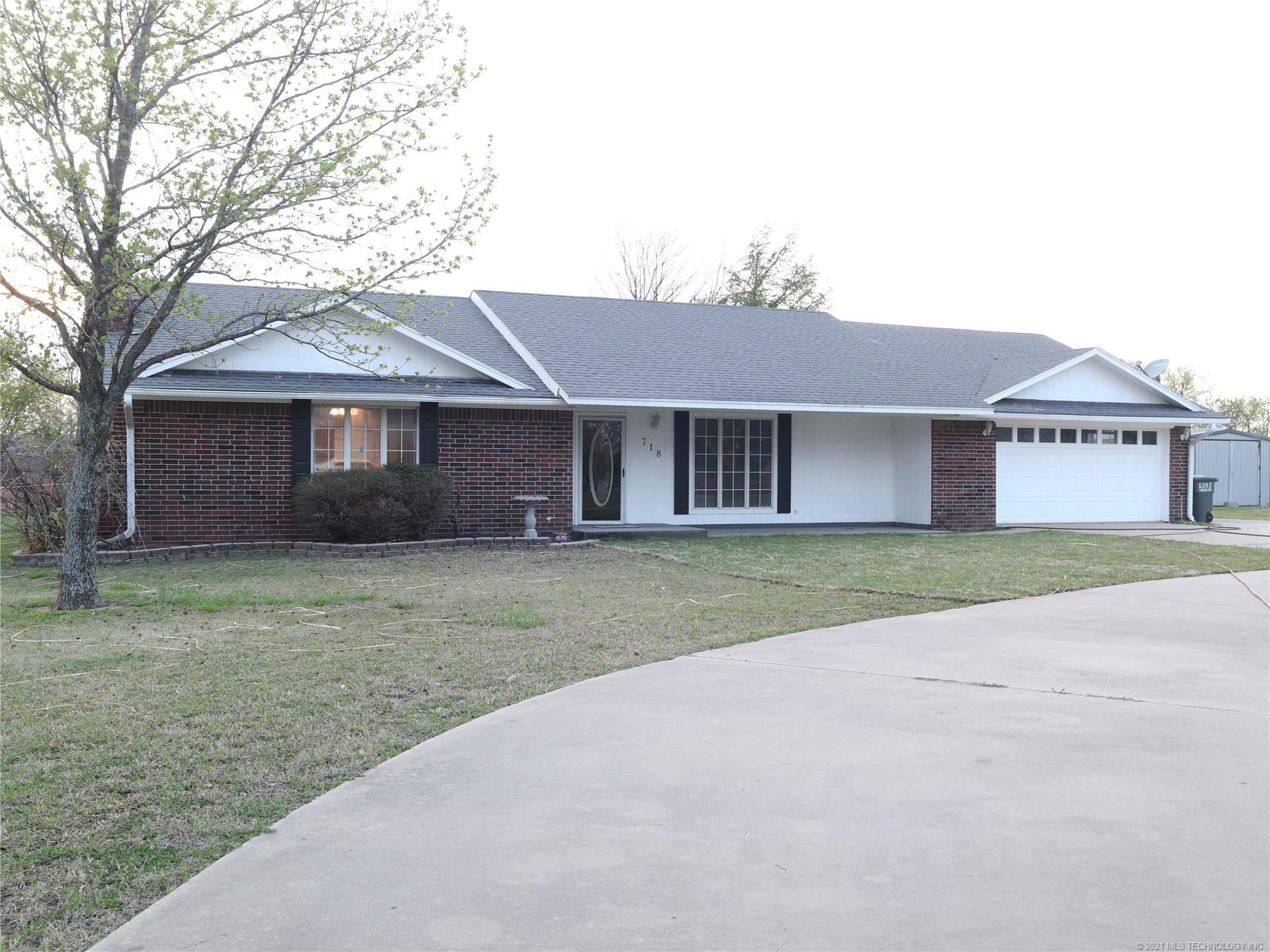 718 Shirley Lane , Madill, OK 73446