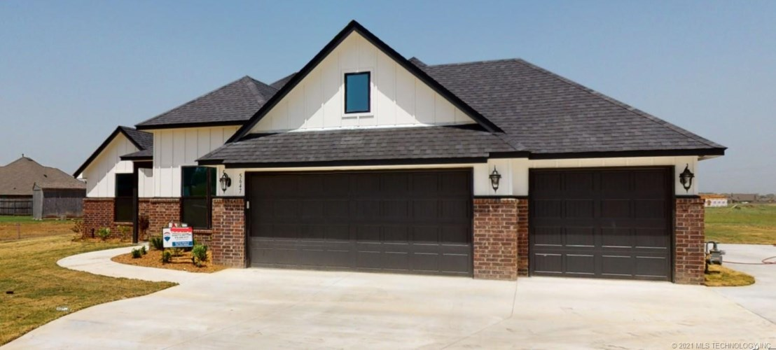 5512 E 142nd Place N, Collinsville, OK 74021