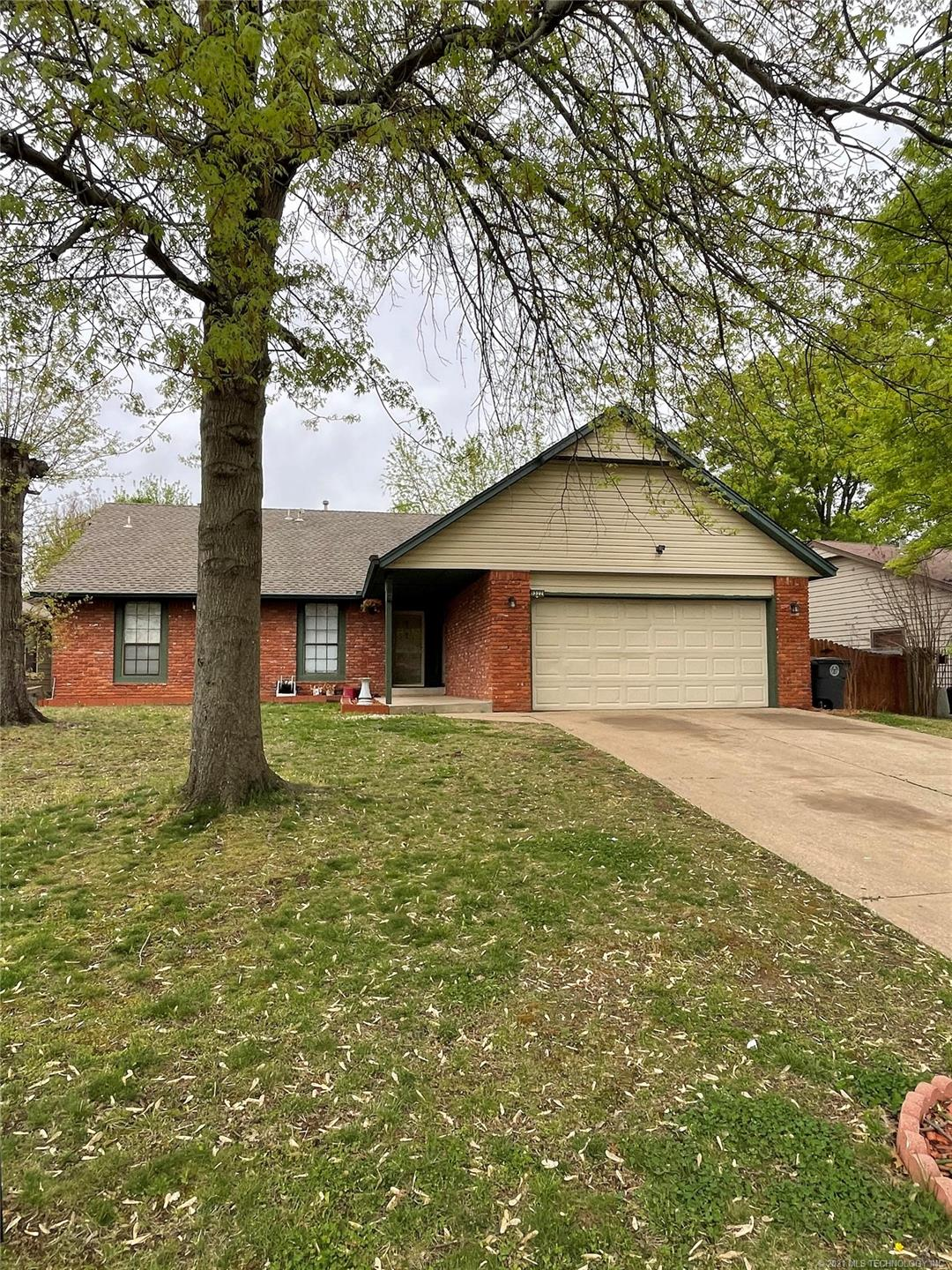 9322 E 92nd Place , Tulsa, OK 74133