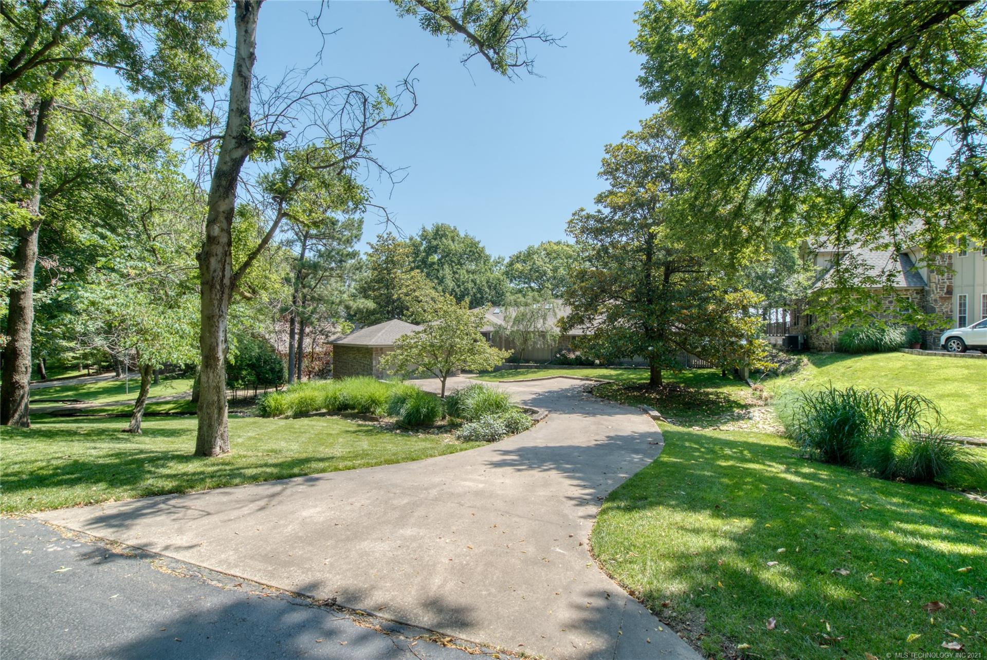 33852 S Coves Drive , Afton, OK 74331