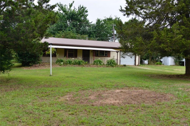 714 Choctaw Drive, Eufaula, OK 74432
