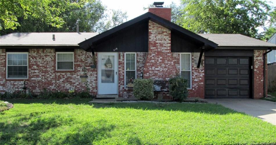316 S Hickory Place, Broken Arrow, OK 74012