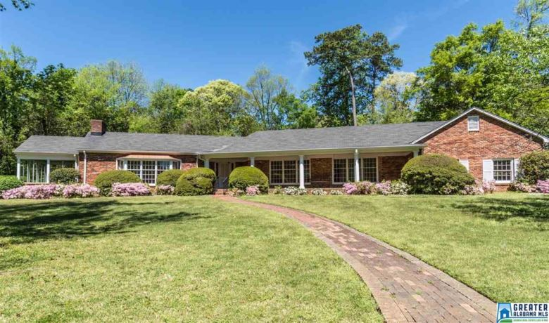 10 COUNTRY CLUB RD, MOUNTAIN BROOK, AL 35213