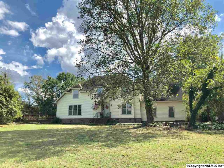 2214 NW TEAGUE ROAD, HARTSELLE, AL 35640