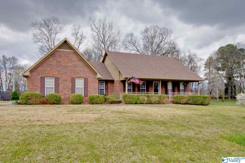 113 RETRIEVER RUN, HAZEL GREEN, AL 35750