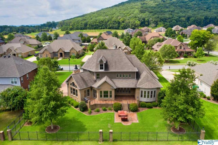 3 SOTHEBY PLACE, GURLEY, AL 35748