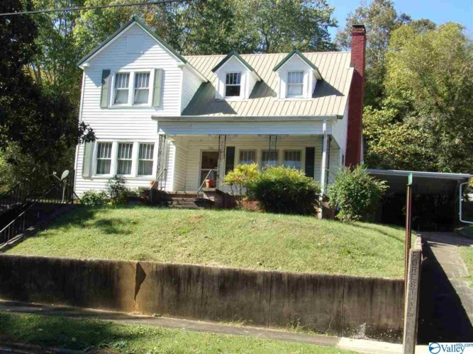 300 FOREST AVENUE SW, FORT PAYNE, AL 35967