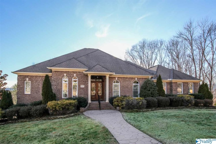 2608 Grande Woods Drive, Owens Cross Roads, AL 35763