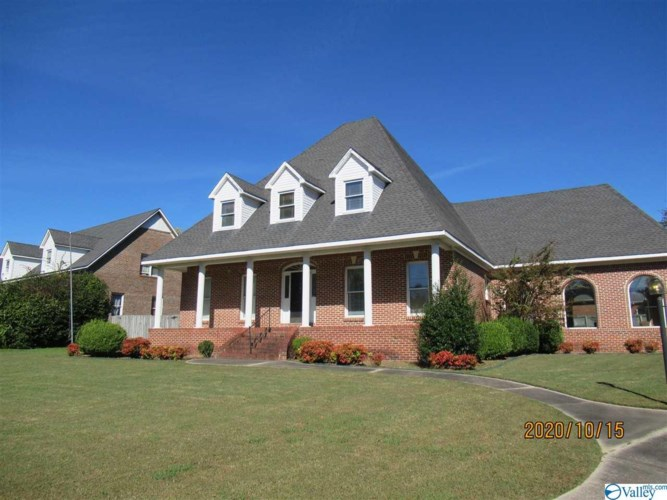 309 Woodfield Street SW, Hartselle, AL 35640