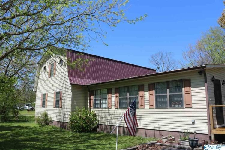 300 Wilborn Road, Scottsboro, AL 35769