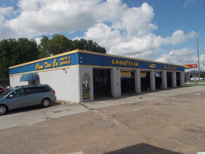2206 University Drive NW, Huntsville, AL 35816