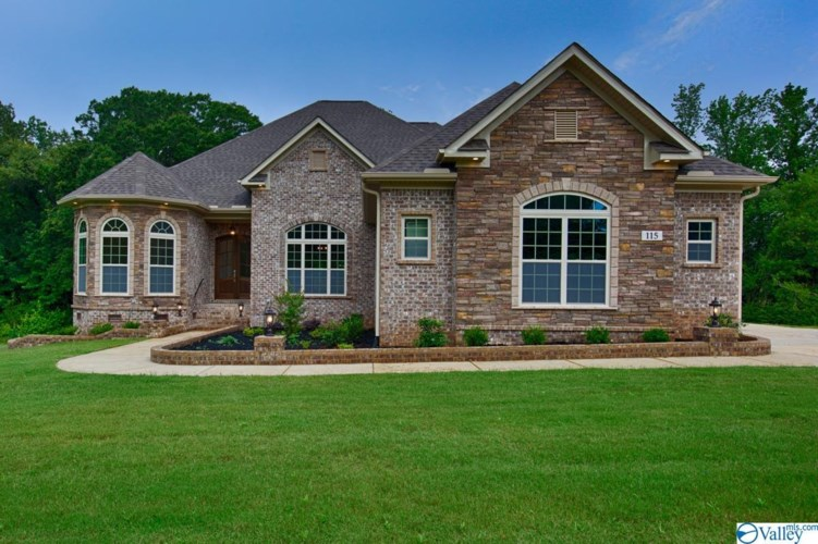 114 Phillips Ridge Drive, Huntsville, AL 35811