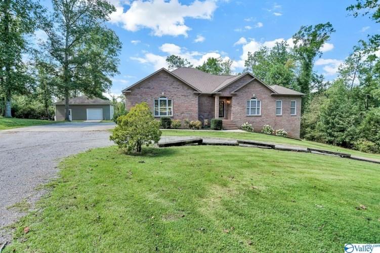 177 Colony Lane NE, Hartselle, AL 35640