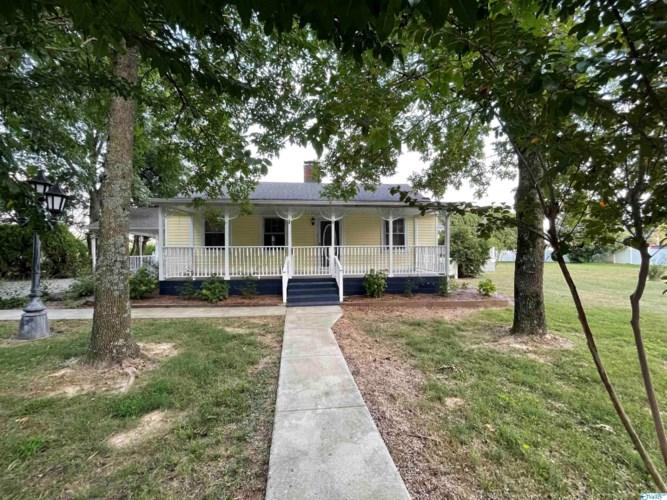 13680 Blackburn Road, Athens, AL 35611