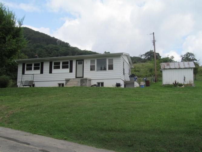 6853  Miller Cove RD, Catawba, VA 24070