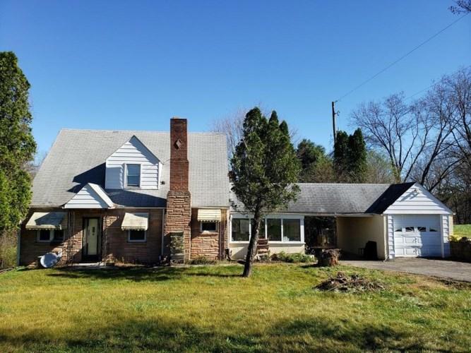 3400  Jae Valley RD, Roanoke, VA 24014