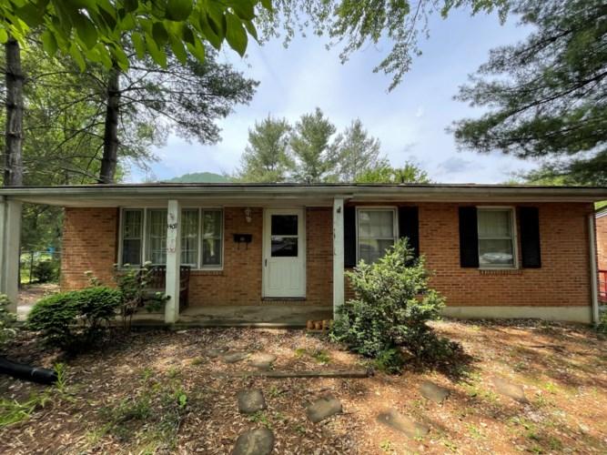 1409  Morehead AVE SE, Roanoke, VA 24013