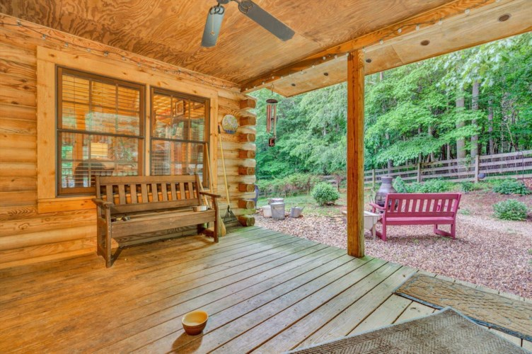 110  Lakepoint Cove CT, Glade Hill, VA 24092