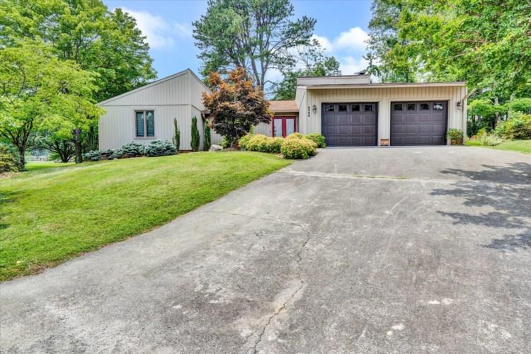 6402  Ridgeview DR, Roanoke, VA 24019