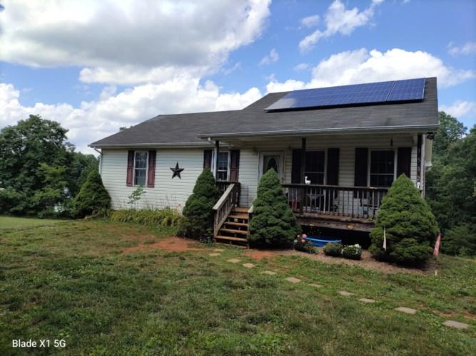 1532  FLINT HILL RD, Moneta, VA 24121