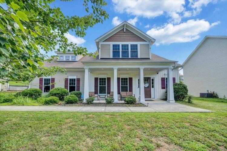 6233  Roselawn RD, Roanoke, VA 24018