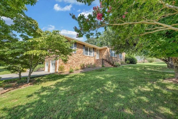 1731  Home CIR, Salem, VA 24153