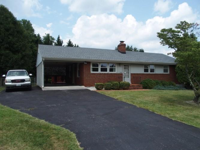 5321  Green Meadow RD, Roanoke, VA 24018