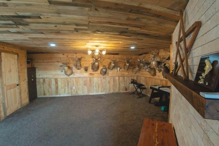 1801  Macks Mountain RD NW, Indian Valley, VA 24105