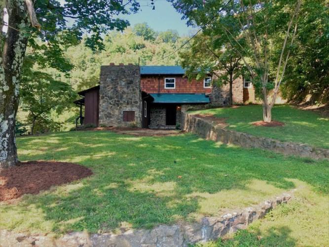 7965  FRANKLIN RD, Boones Mill, VA 24065