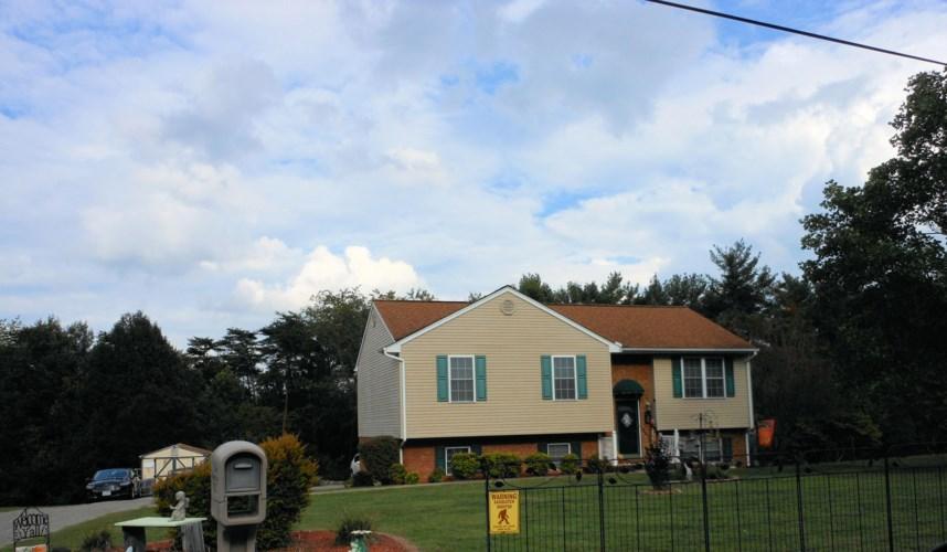 3410  Hemingway RD, Roanoke, VA 24014
