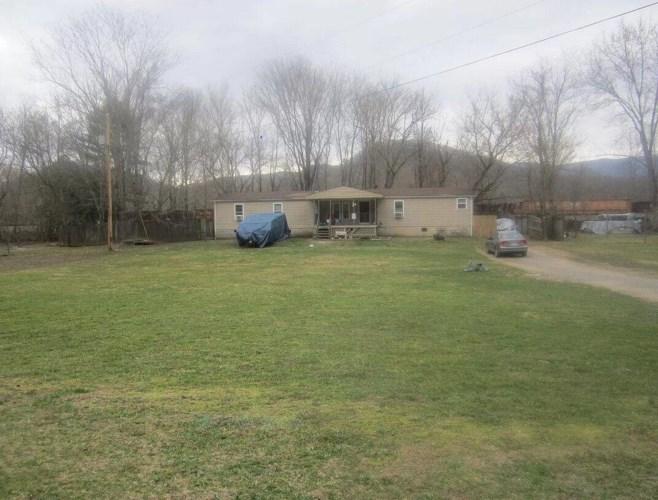 1630  Blount DR, Elliston, VA 24087