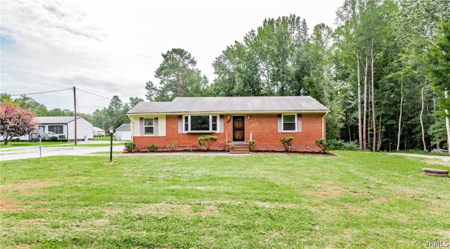 9113 Hickory Road, South Chesterfield, VA 23803