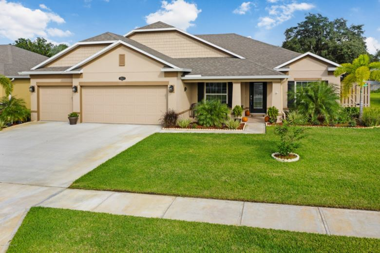 2042 Lune Court, West Melbourne, FL 32904