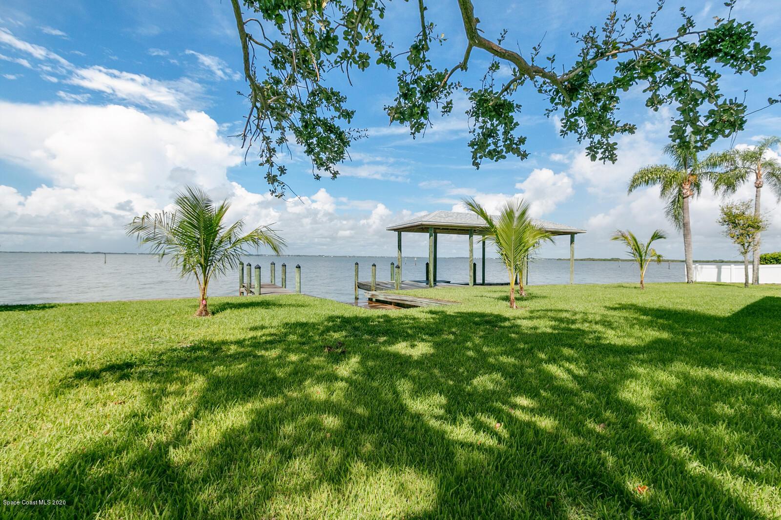 23 Point Drive W, Cocoa Beach, FL 32931