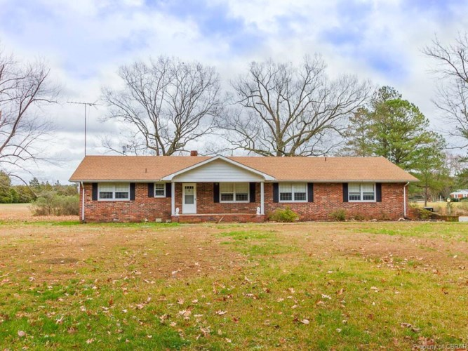 865 Tick Neck Road, Foster, VA 23056