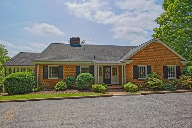 307 Overhill Dr, Lexington, VA 24450