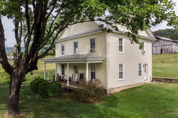 1822 Blue Grass Trl, Lexington, VA 24450