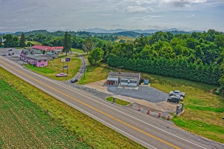 S Lee Highway, Natural Bridge, VA 24578